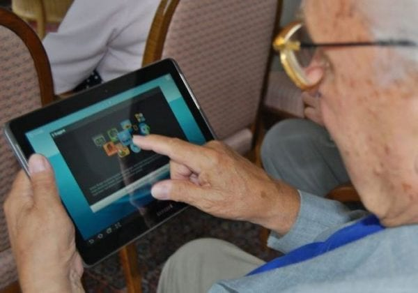How to Set Up Windows 10 for a Senior Citizen