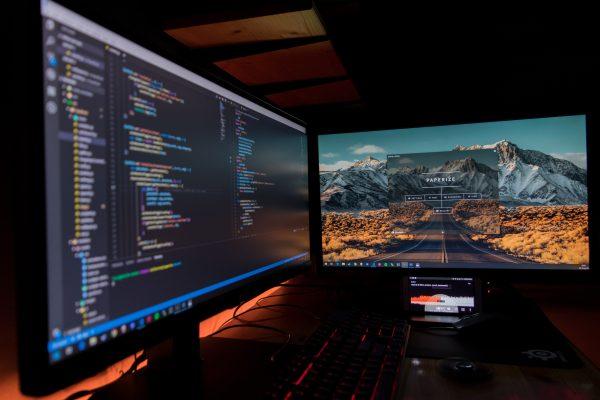 9 Benefits To Having Dual Screens