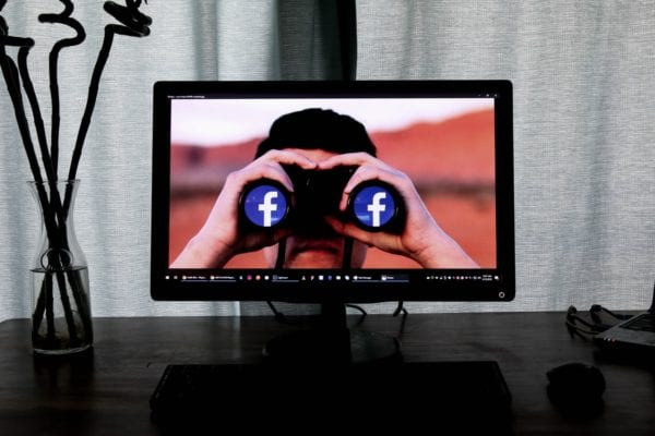 How to Prevent Facebook Friend From Viewing Pictures