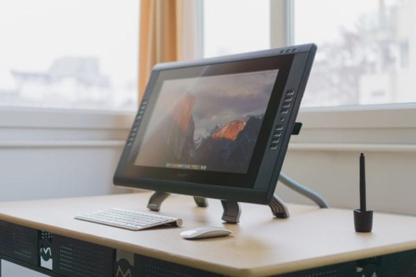 Wacon Cintiq Features and Specs