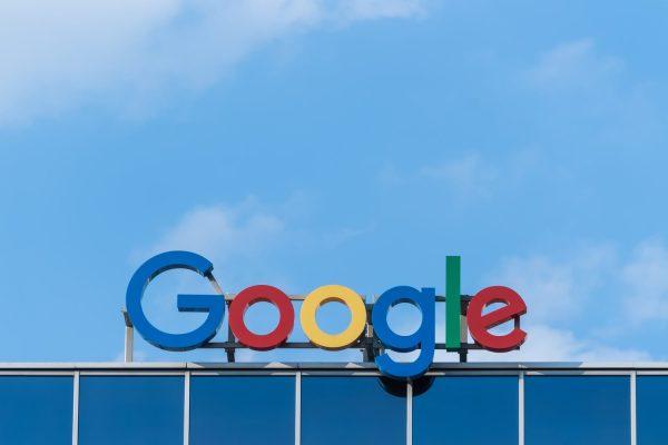 Reporting False News on Google Discover