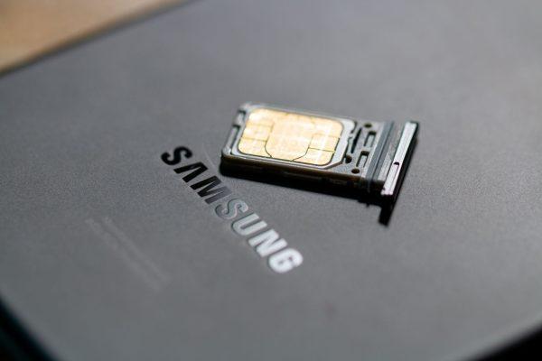 Galaxy S21 Ultra Logo with SIM Card